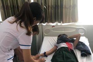 Quảng Nam: Uống trà sữa, 16 em học sinh nhập viện vì ngộ độc