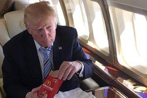 Sở thích ăn uống của ông Trump: Gà rán, khoai chiên và soda ăn kiêng