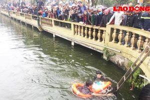 Đi câu cá, người đàn ông rơi xuống hồ tử vong
