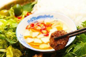 Thượng đỉnh Mỹ - Triều: Phóng viên quốc tế 'thả tim' ẩm thực Hà Nội