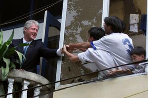 Hình ảnh thân thiện của các Tổng thống Mỹ khi tới Việt Nam