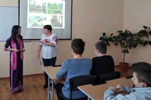 Giao lưu nhân Ngày Quốc tế Tiếng mẹ đẻ tại Ukraine