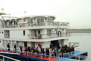 Quảng Ninh đón đoàn lãnh đạo Triều Tiên bằng du thuyền 5 sao