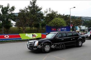 Tổng thống Mỹ Donald Trump rời khách sạn tới gặp lãnh đạo cấp cao Việt Nam