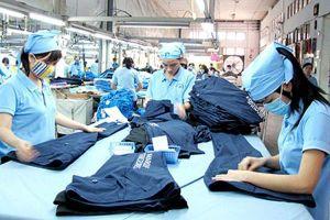 Công nhân may mặc sống lay lắt vì lương không đủ sống