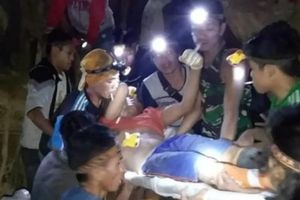 Sập mỏ vàng ở Indonesia, hơn 60 người bị chôn vùi