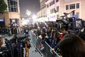 Tặng miễn phí vé máy bay và phòng khách sạn cho phóng viên