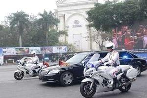 Đoàn xe của Chủ tịch Triều Tiên Kim Jong-un đến khách sạn Metropole