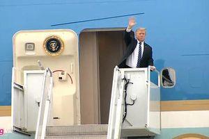 Kết thúc họp báo, Tổng thống Trump lên chuyên cơ về nước