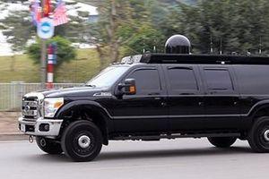 Bí ẩn chiếc SUV màu đen đi sau 'Quái thú' của ông Donald Trump