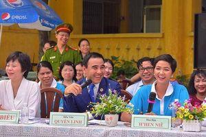 Hoa hậu H'Hen Niê và diễn viên Quyền Linh làm Đại sứ của Năm An toàn cho phụ nữ và trẻ em