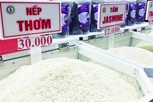 Để không còn cảnh giải cứu lúa gạo