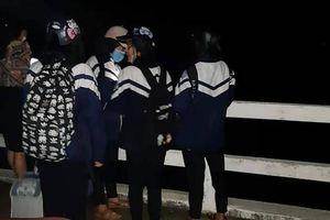 Nam sinh Hà Tĩnh nhảy sông tự tử sau khi hỏi 'lạ'