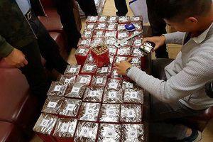 Hà Nội: 10.000 điếu xì gà 'vô chủ' vận chuyển qua đường hàng không