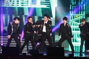 V-E.L.F chờ đợi 6 năm cho một sân khấu mang tên Super Junior trở lại