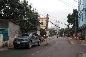Điện lực Hà Đông thông tin về cột điện nằm giữa đường tại phường La Khê và Hà Cầu