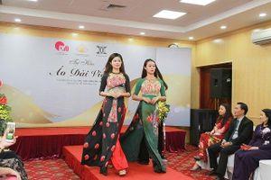 Tự hào áo dài Việt