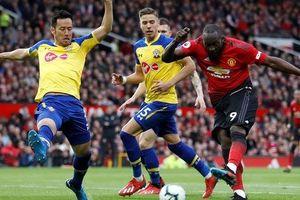 Lukaku thăng hoa, Man United vào Top 4 Ngoại hạng Anh