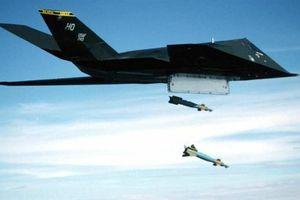F-117A hạ cánh khẩn khi âm thầm không kích Syria