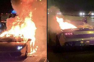Siêu xe Lamborghini mạ vàng bốc cháy sau khi đi bảo dưỡng khiến chủ nhân 'đứt ruột'