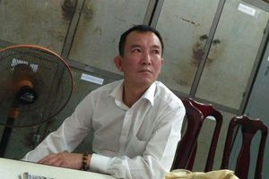 Hai du khách Hàn Quốc trộm ba lô đầy tiền rồi đánh bạc thua sạch