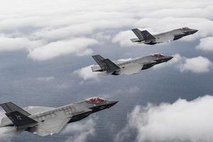 Hải quân Mỹ đưa F-35C vào sẵn sàng chiến đấu trên tàu sân bay