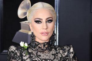 Lady Gaga #1 Billboard Hot 200 với album nhạc phim 'A Star Is Born', cơ may nào cho 'Shallow'?