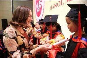 Học viên VUS Hà Nội lần đầu được nhận chứng chỉ Cambridge