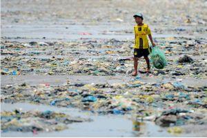 Chàng trai xuyên Việt gần 7.000km chỉ để chụp 3.000 tấm ảnh rác thải