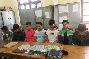 Hà Tĩnh: Bắt giữ nhóm 'trai làng' sát phạt nhau trên chiếu bạc