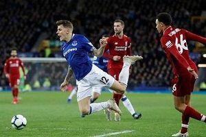 Bị Everton cầm hòa ở trận derby Merseyside, Liverpool mất ngôi đầu