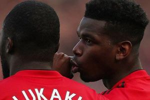 Chặn đứng cãi vã 'kịch tính' giữa Lukaku và Pogba, HLV tạm quyền Manchester United không có nhà để về