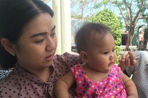 Bé gái 8 tháng tuổi bị bỏ một mình trong phòng trọ