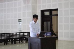 Lĩnh 7 năm tù vì đâm chủ nợ trọng thương