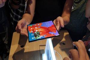 Huawei Mate X: Chiếc điện thoại 5G màn hình gập nhanh nhất