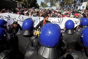 Phe đối lập Algeria tiếp tục phản đối ứng cử của Tổng thống Bouteflika