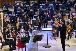 Sun Symphony Orchestra tiếp tục mang âm nhạc cổ điển đến với học sinh, sinh viên