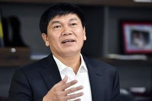 Bị loại tỷ phú USD, ông Trần Đình Long, Hoàng Kiều có bao nhiêu tiền?