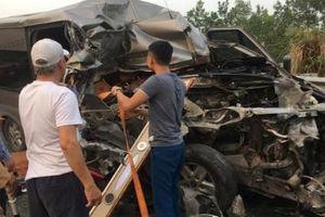 Tai nạn nghiêm trọng trên cao tốc Pháp Vân - Cầu Giẽ khiến 2 người tử vong