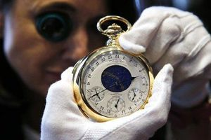 Clip: Cận cảnh chiếc đồng hồ siêu phức tạp trị giá ngang 50 xe Rolls Royce Phantom