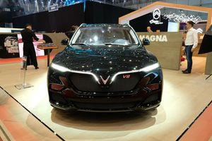 Cận cảnh mẫu SUV Vinfast Lux V8 đang được trưng bày tại Geneva Motor Show 2019