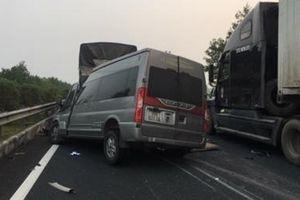 Xe 16 chỗ gây tai nạn khiến 2 người tử vong đang trong thời gian cấm lưu thông