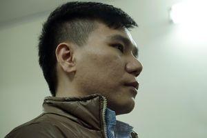Ca sĩ Châu Việt Cường: 'Bị cáo cầm dao định tự tử vì áp lực'