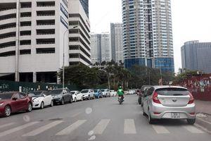 Đường phố biến thành bãi đỗ xe!