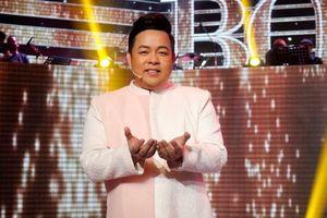Quang Lê: 'Tôi cũng thấy chính xác là hát nhạc tiếng Anh dễ hơn hát nhạc Việt'