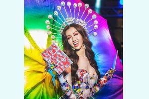 Nhà thiết kế trẻ đưa lô tô lên sàn Hoa hậu chuyển giới quốc tế
