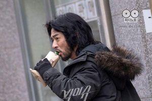Thay thế 'Hoàng Hậu cuối cùng' ở khung giờ vàng nhưng 'Big Issue' của Han Ye Seul khởi đầu không mấy suôn sẻ