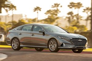 Hyundai Sonata 2020 lộ diện, mở cửa dễ dàng bằng smartphone
