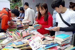 Đọc sách, phải bắt đầu từ nhà trường