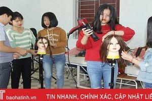 Đào tạo nghề chăm sóc sắc đẹp ở Hà Tĩnh: Nhu cầu nhiều, chỉ tiêu ít!